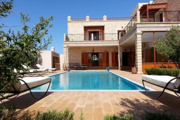 Magnifique villa meublée avec piscine