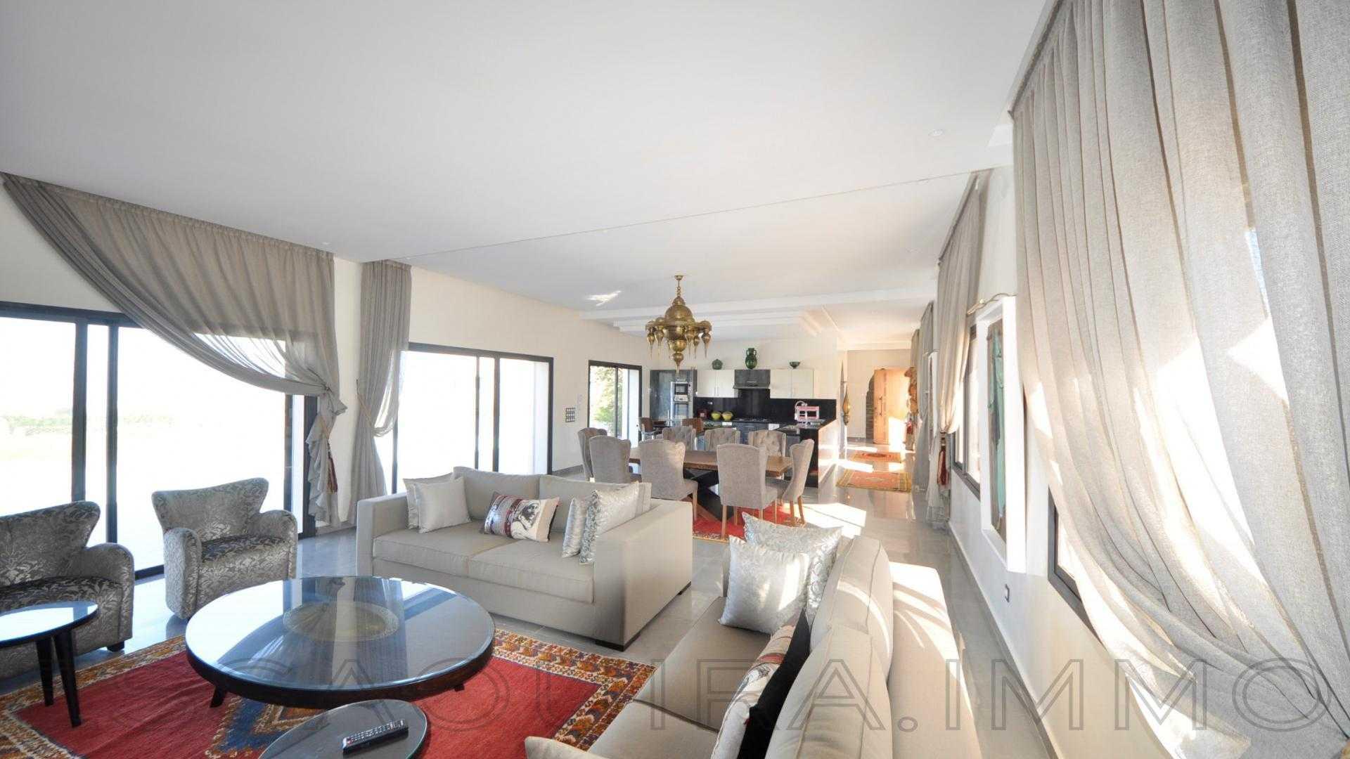 villa à 450 000€