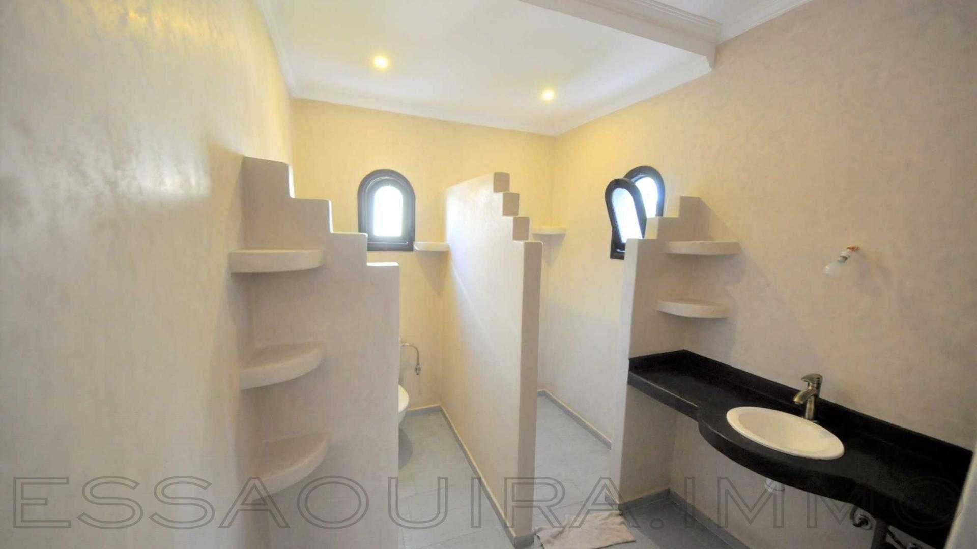 villa à 1 500€ par mois