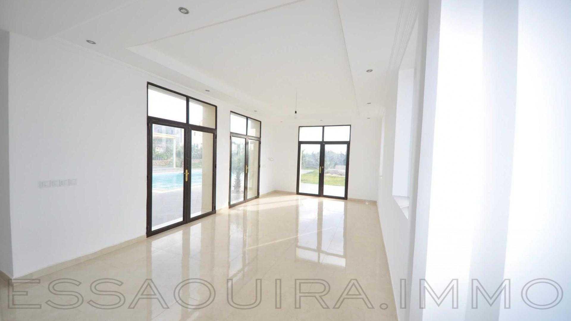 villa à 295 000€