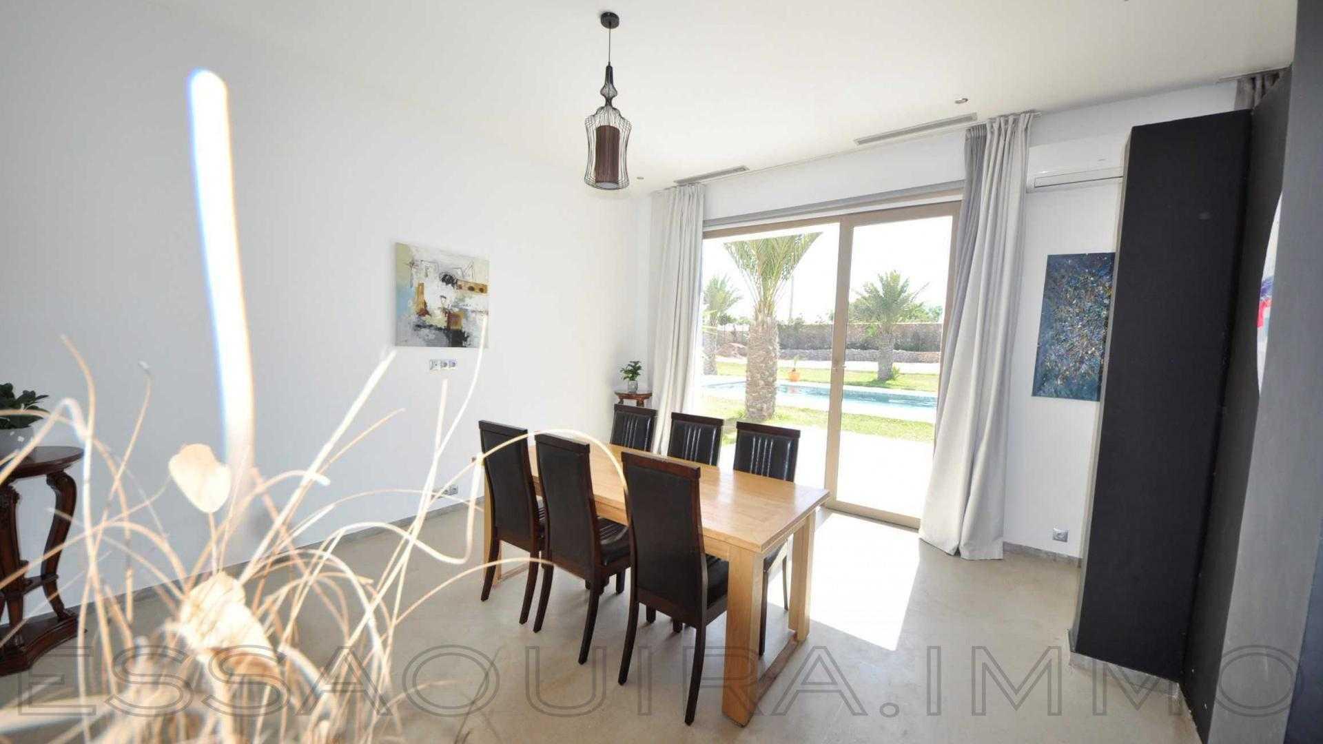 villa à 470 000€
