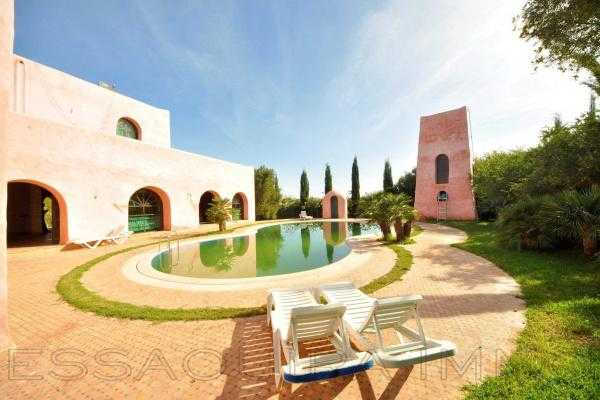 Charmante villa avec piscine