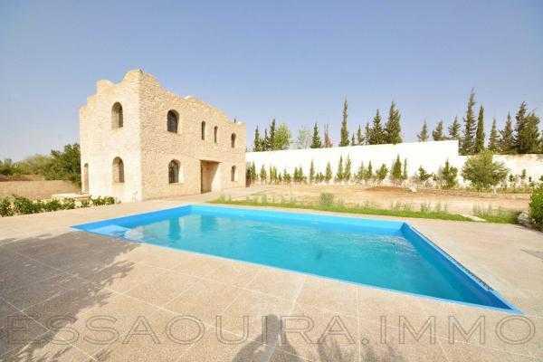 Trés belle villa avec piscine