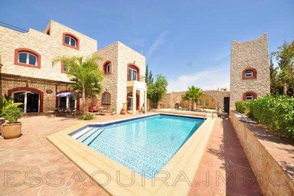 Villa tout confort avec piscine